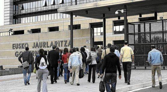 Dos pequeñas empresas ganan el suministro eléctrico para los edificios del Gobierno vasco